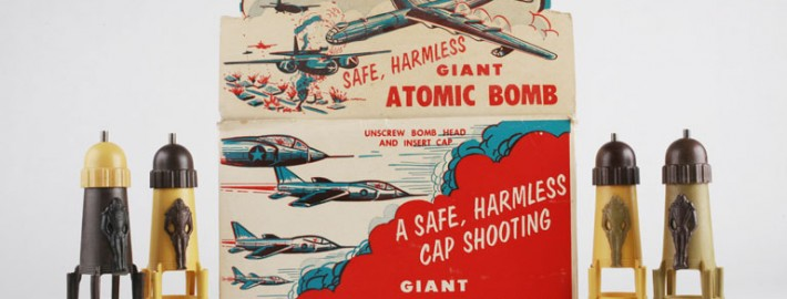The_Childrens_Museum_of_Indianapolis_-_Toy_atomic_bomb_set_-_detail